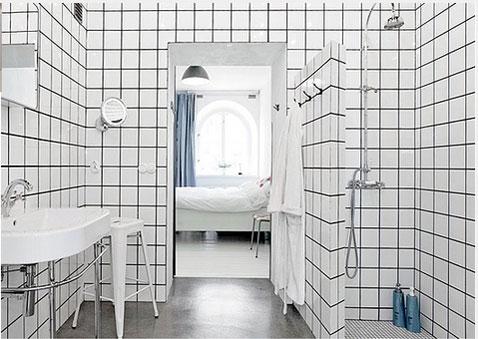 decoration salle de bain carrelage mural blanc au sol grandes dalles de carrelage gris