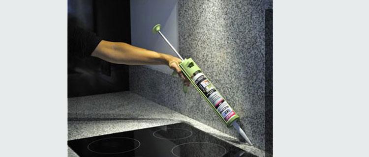 mastic joint silicone de couleur pour cuisine et salle de bain