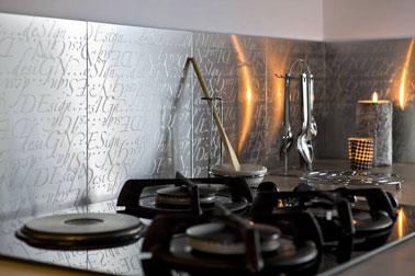 Carrelage adhésif pour crédence cuisine Métal Décor finition inox, dimensions : 30X30cm