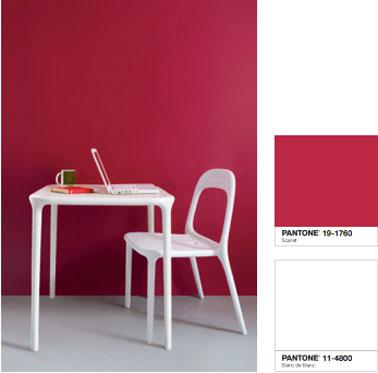 Déco cuisine design avec une peinture murale couleur rouge de la collection inspired by pantone de Tollens. Nuancier de 40 couleurs peinture disponible chez Castorama