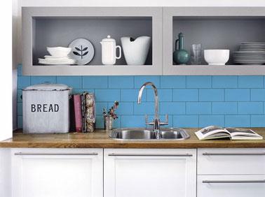 Peinture carrelage cuisine. Peinture carrelage Julien pour peindre carrelage mur et crédence dans la cuisine.