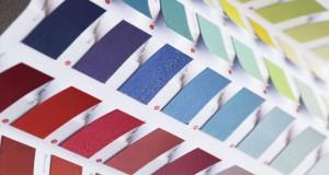 Quelle couleur pour un salon si on veut l'agrandir ? Les teintes de peinture salon influent sur l'impression de volume, découvrez quelle couleur privilégier pour repeindre votre salon.