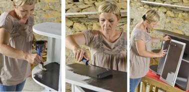 peinture pour meuble bois effet cuir couleur taupe et noir. Commencer par peindre les parties du meubles que vous souhaitez noir avec Skin effet cuir, puis finir de peindre le meuble avec la peinture couleur taupe