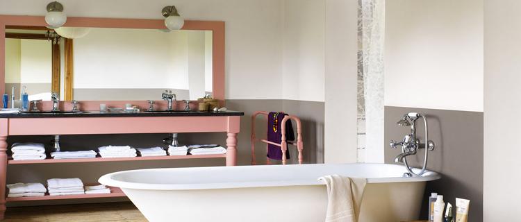la peinture salle de bain donne des idées couleurs et déco pour repeindre sa salle de bain et créer une ambiance moderne, zen rétro avec la dernière tendance couleur peinture pour les murs