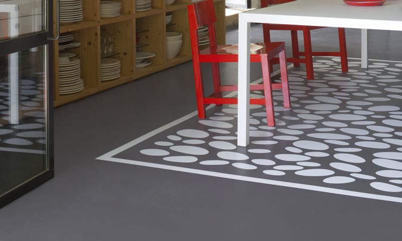 Peinture carrelage sol pour repeindre les sols en carrelage de toutes les pièces intérieures. Conseils choix peinture et pour repeindre carrelage sol salle de bain et cuisine.