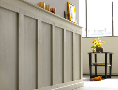 Soubassement en bois rénové avec Badigeon Libéron couleur Ficelle, application en une couche après léger ponçage