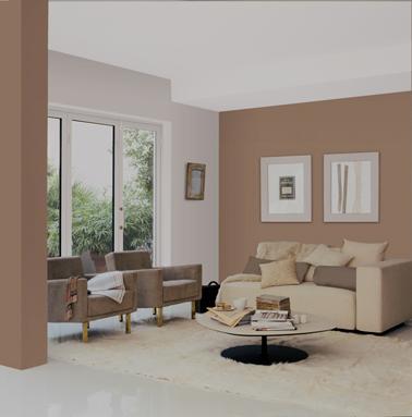 Couleur taupe clair et rose poudré pour la peinture du salon pour une belle harmonie de couleur tendre avec les fauteuils taupe et le canapé lin