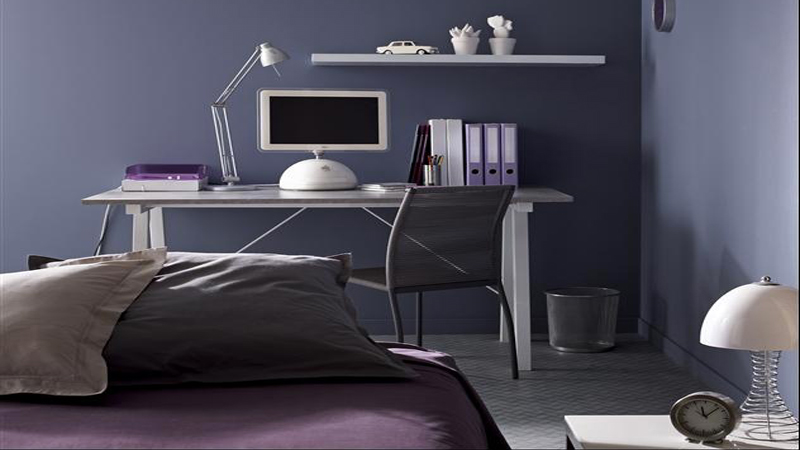 idées déco et couleur peinture chambre d'ado fille et garçon pour leur faire une chambre en accord avec âge. Peinture en nuance de bleu pour les garçons, gris clair et rose tendre pour les filles...