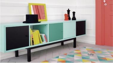 La marque Fly propose de composer ses meubles qui permet de personnaliser son intérieur en changeant les formes et couleurs des meubles