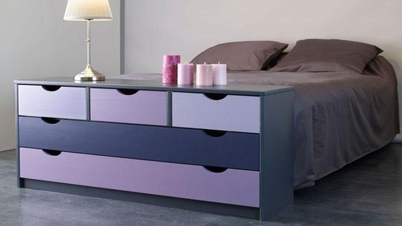 Repeindre un meuble style commode, chaises, étagères dans une belle couleur avec les peintures pour meuble en application directe V33, Farrow & Ball, Astral