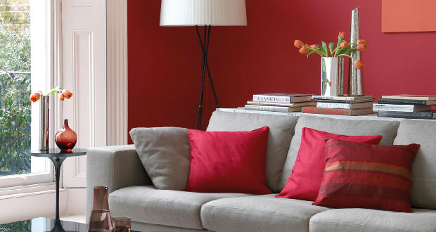 Pour choisir sa peinture salon et créer une ambiance couleur en accord avec son style déco, voici 25 couleurs de choix pour repeindre son salon sans erreur.