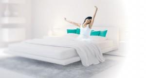 Lorsque la peinture de chambre supprime les nuances sonores et purifie l'air en offrant 50 couleurs pour repeindre la chambre selon son style déco, on n'hésite pas et on saute sur les pinceaux !