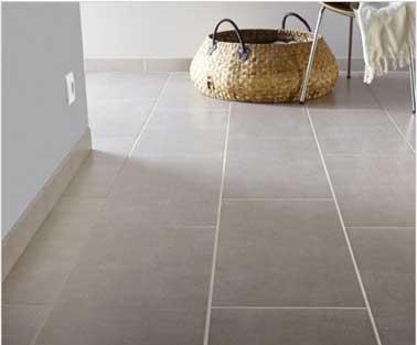Parete e pavimento bagno in gres smaltato colorato grigio perla effetto cemento Area l.30.8 x L.61,5 cm. Prezzo 17,95 € / m². Leroy Merlin