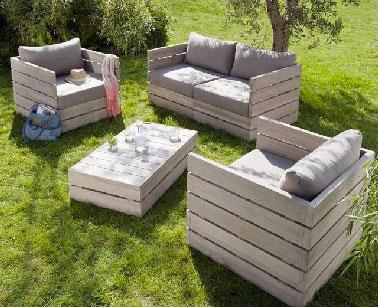 Assurer une longue vie au salon de jardin en palette par un entretien régulier avec une peinture bois terrasse V33
