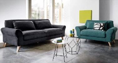Adoptez un canapé ergonomique est la meilleure solution pour décorer un petit salon. Ce modèle de canapé signé La Redoute confortable offre à la pièce une déco moderne.