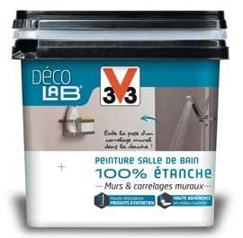 Une peinture V33 pourcarrelage, faïence et listel non poreux Sa résistance aux écoulements d'eau permet de l'appliquer sur des murs en plâtres ou carreaux de plâtre en remplacement du carrelage.nuancier 12 couleurs aspect satin. Peinture Décolab Murs et carrelage mural salle de bain 100% étanche V33, Prix 59.90 €/2L chez Leroy Merlin.