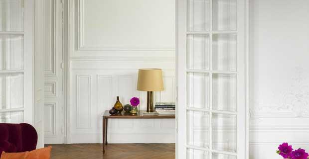 Du blanc pur, aux blancs cassées, découvrez tous les trésors de la peinture blanche pour repeindre votre cuisine, chambre et salon pour une ambiance déco chic et sereine à l'intérieur