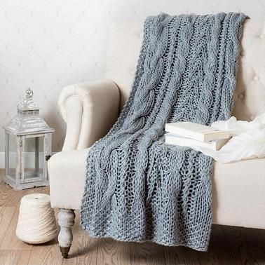 Una gruesa tela escocesa de lana tejida.