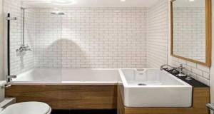 Le carrelage métro c'est la tendance en déco cuisine et salle de bain. En crédence, sur les murs de la douche, des idées déco pour poser du carrelage métro sur vos murs.