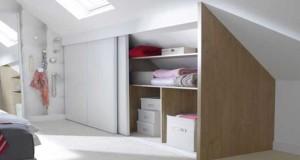 Pour aménager un dressing sous pente dans une pièce sous les combles, des idées de dressing et placard pas cher à réaliser soi-même pour optimiser ses rangements