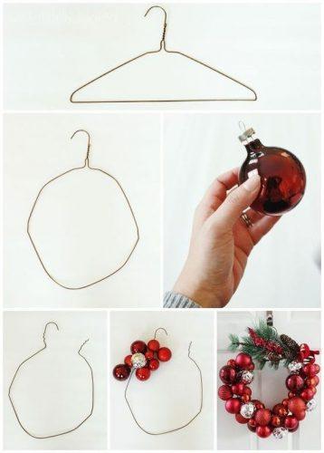 Couronne réalisée à partir d'un cintre métallique et de boules de Noël.